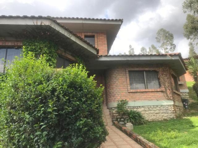Foto Casa en Venta en  San Sebastián,  Cuenca  Amplia casa con 835m2 de terreno Av. Ordóñez Lasso $320.000dlrs.