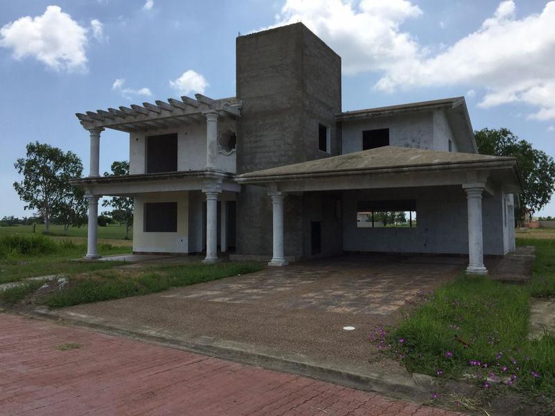 Foto Casa en Venta en  Fraccionamiento Lagunas de Miralta,  Altamira  RESIDENCIA SIN TERMINAR EN LAGUNAS DE MIRALTA