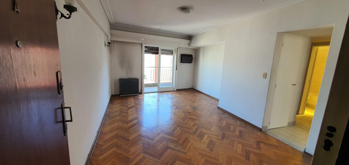 Foto Departamento en Venta en  Almagro ,  Capital Federal  Rivadavia 3521 12° A