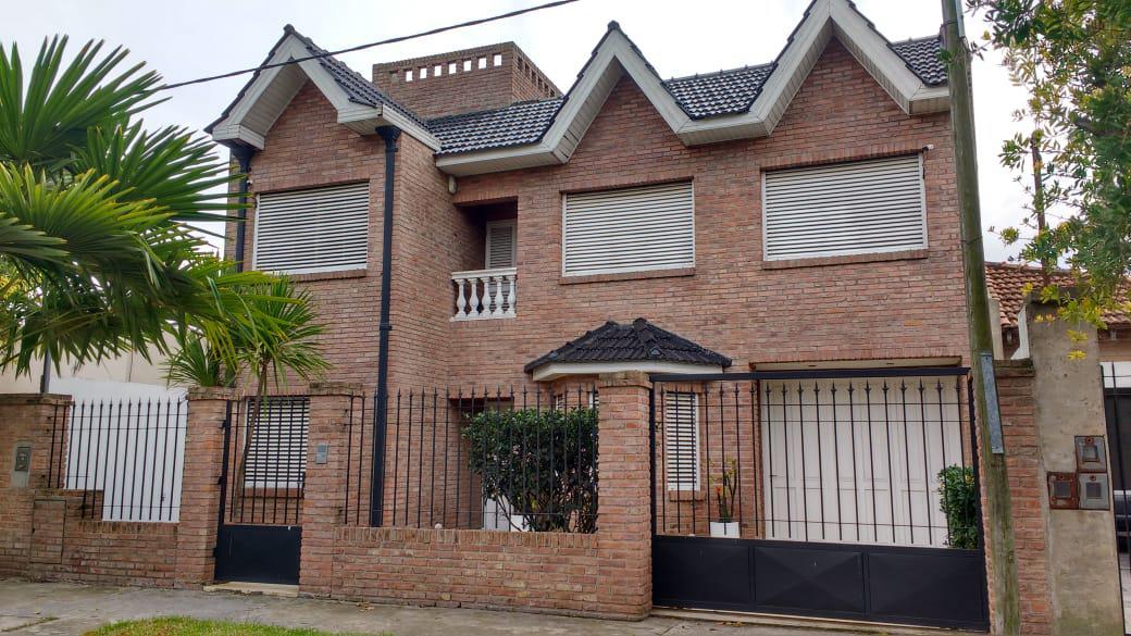 Foto Casa en Venta en  La Plata,  La Plata  50 nº2123