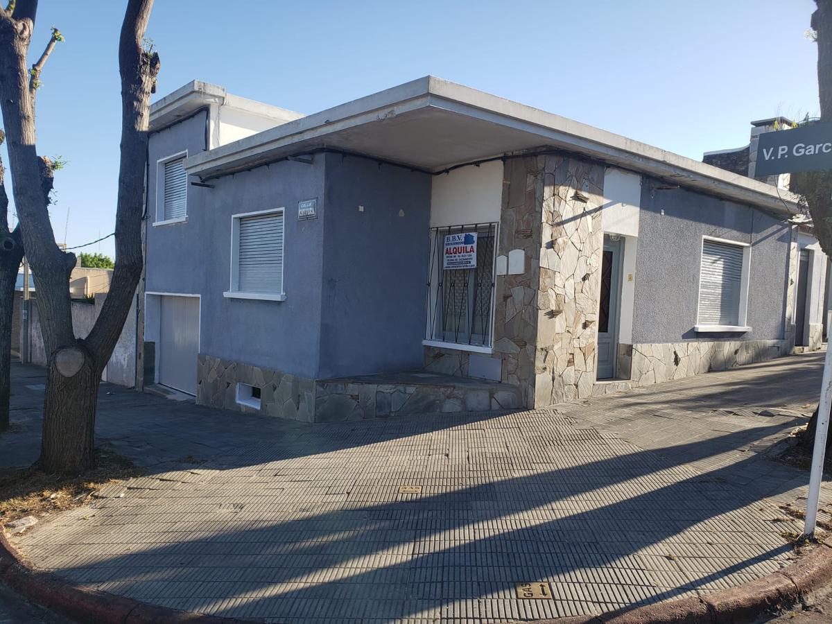Foto Casa en Alquiler en  Colonia del Sacramento ,  Colonia  Casa de 2 Dorm. en Barrio Pueblo Nuevo