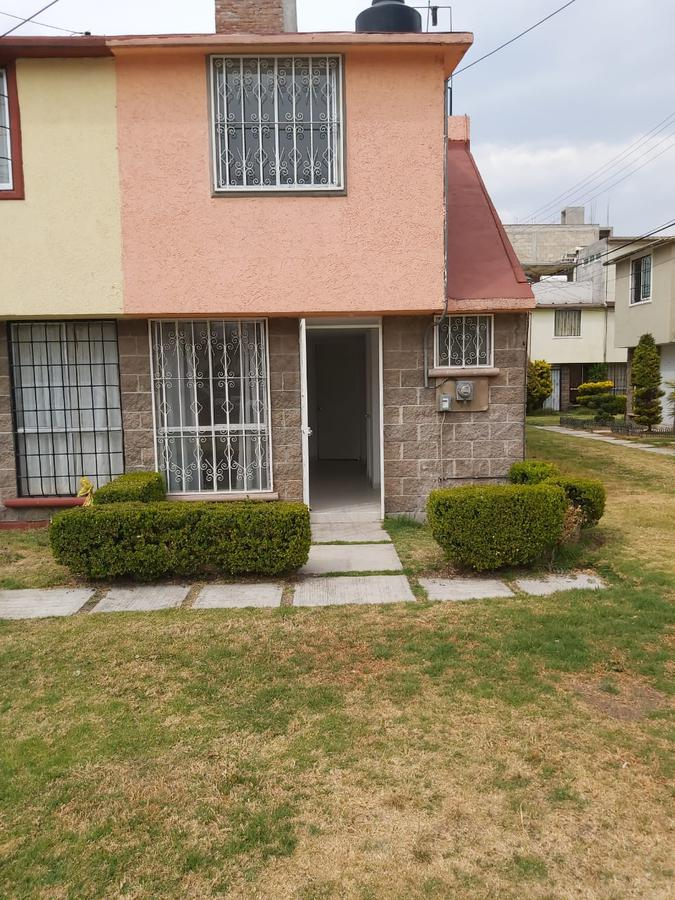 Foto Casa en condominio en Venta en  Toluca ,  Edo. de México  Casa en VENTA, Fraccionamiento Galaxia San Lorenzo, Toluca, Estado de México