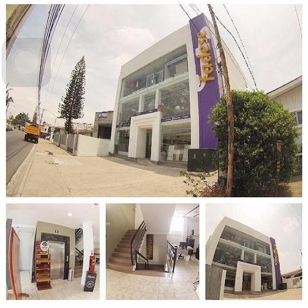 Foto Edificio Comercial en Venta | Alquiler en  Norte de Guayaquil,  Guayaquil  Se vende o Alquila Edificio Moderno en Urdesa Central