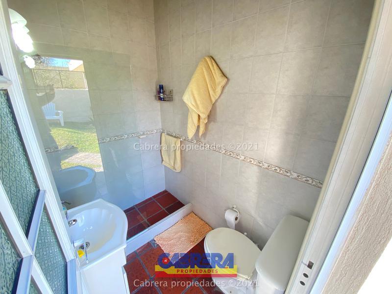 Foto Casa en Venta en  Lomas de Zamora Este,  Lomas De Zamora  Maria Curie 345