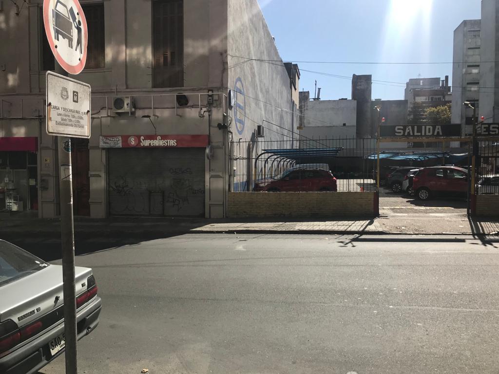 Foto Local en Venta en  Centro (Montevideo),  Montevideo  Colonia y Convención