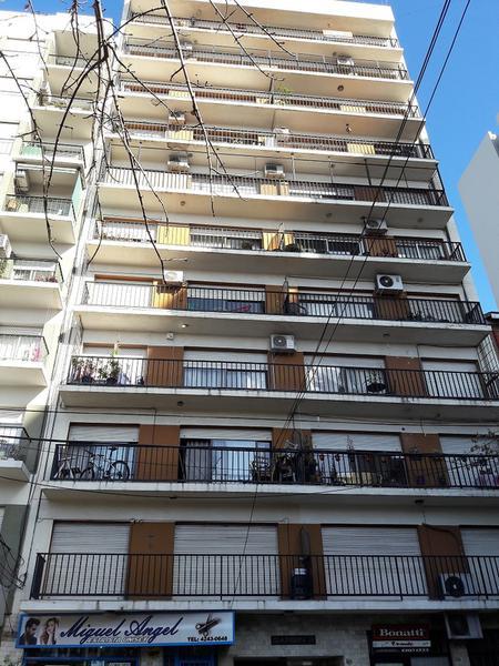 Foto Departamento en Alquiler en  Lomas de Zamora Oeste,  Lomas De Zamora  Boedo 520 8 B