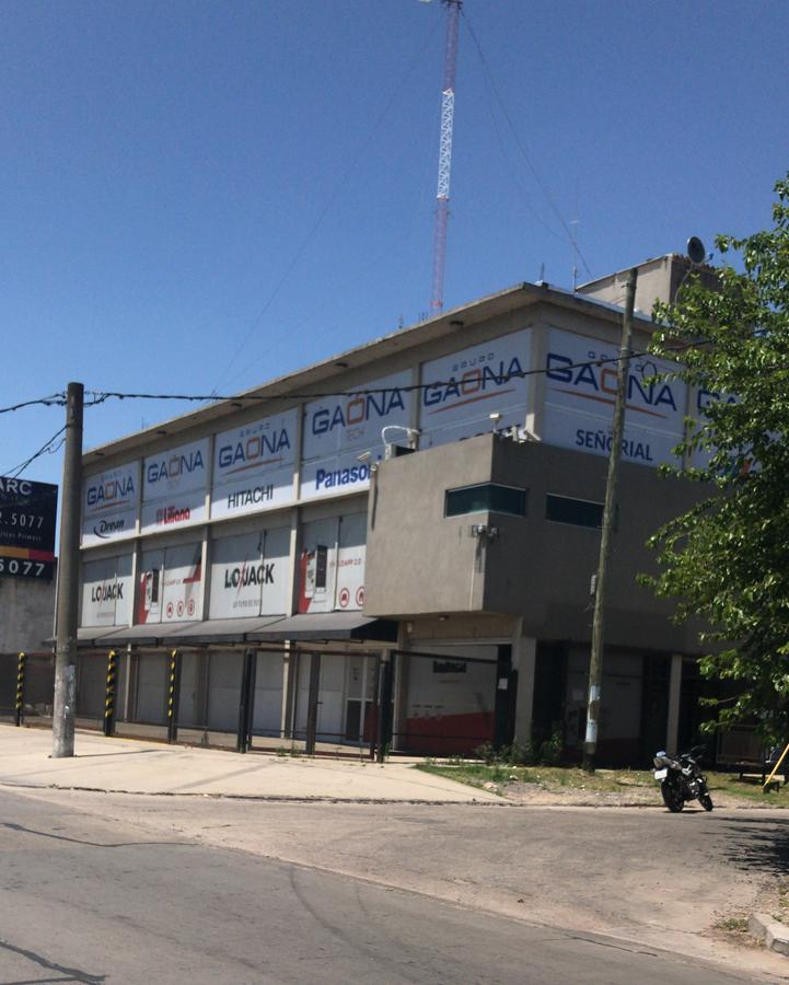 Foto Local en Alquiler en  Ituzaingó ,  G.B.A. Zona Oeste  Aguaribay esquina Acceso Oeste
