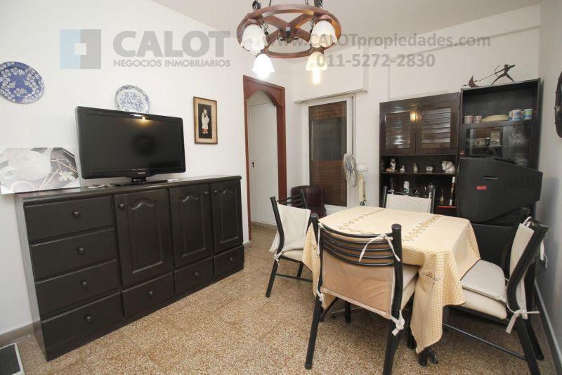 Foto Departamento en Alquiler temporario en  Almagro ,  Capital Federal  RIVADAVIA 3400 2°