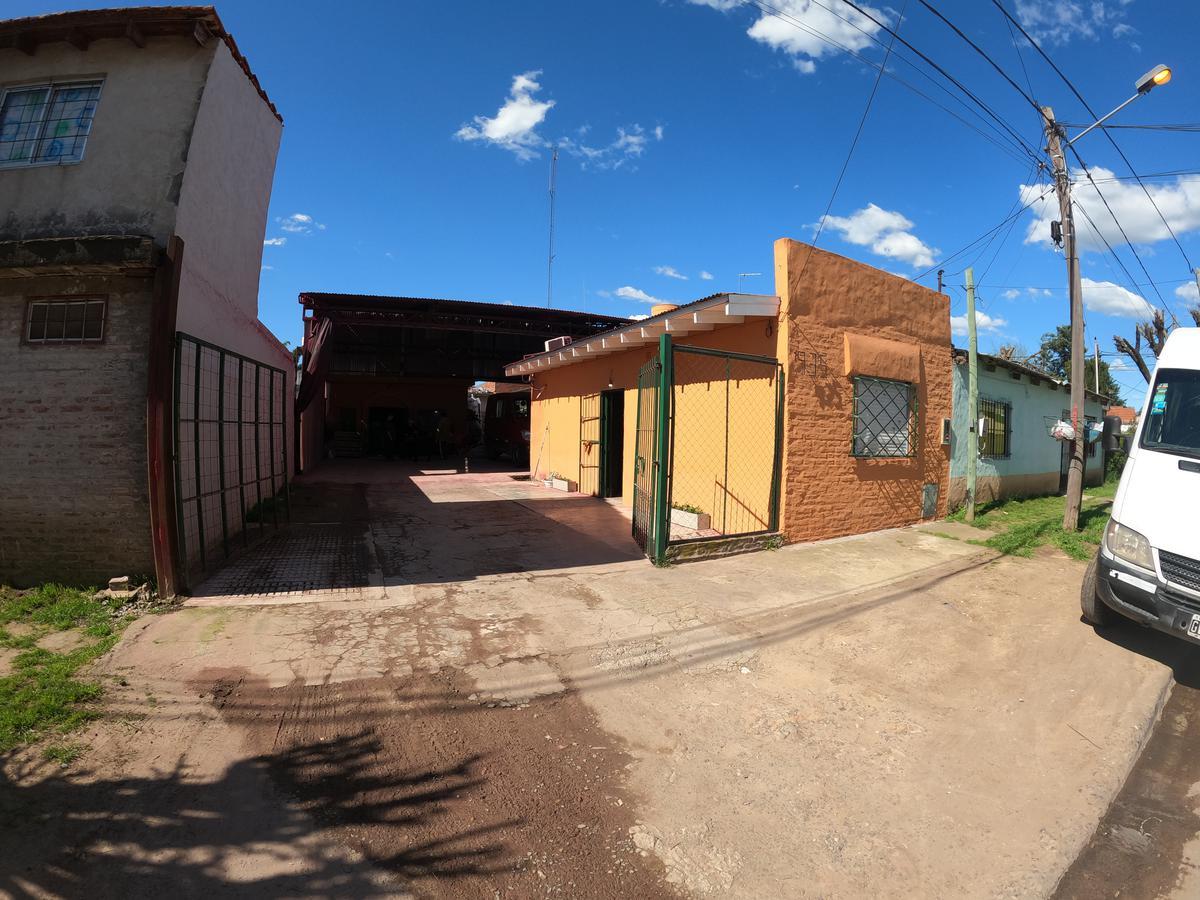 Foto Casa en Venta en  Las Lomas,  Belen De Escobar  Las Lomas 935