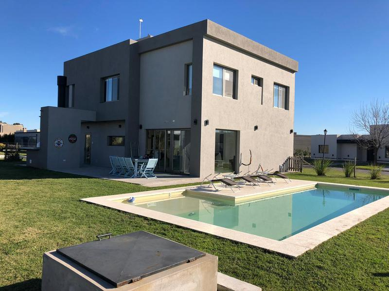 Foto Casa en Alquiler en  La Horqueta de Echeverría,  Countries/B.Cerrado (E. Echeverría)  LA HORQUETA DE ECHEVERRIA