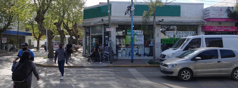 Foto Local en Alquiler en  Esc.-Centro,  Belen De Escobar  Tapia de Cruz y Rivadavia