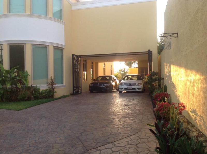 Foto Casa en condominio en Venta en  Club de Golf La Ceiba,  Mérida  RESIDENCIA EN FRACC. Y CLUB DE GOLF LA CEIBA