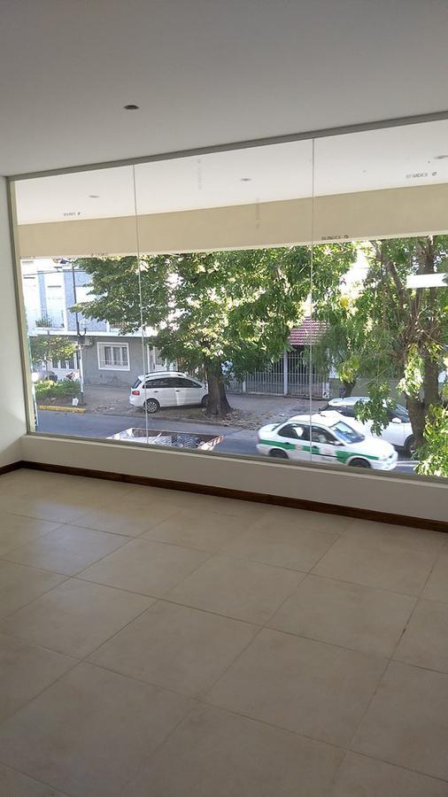 Foto Local en Alquiler en  Barrio Norte,  La Plata  6 35 y 36