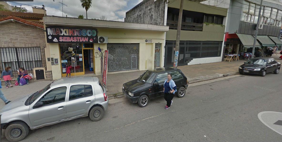 Foto Local en Alquiler en  Centro (Moreno),  Moreno  bartolome mitre al 2400