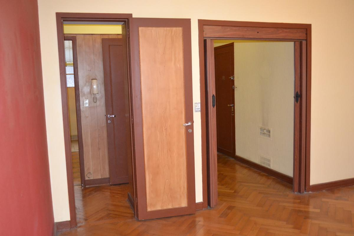 Foto Departamento en Venta en  Monserrat,  Centro  Chacabuco al 100