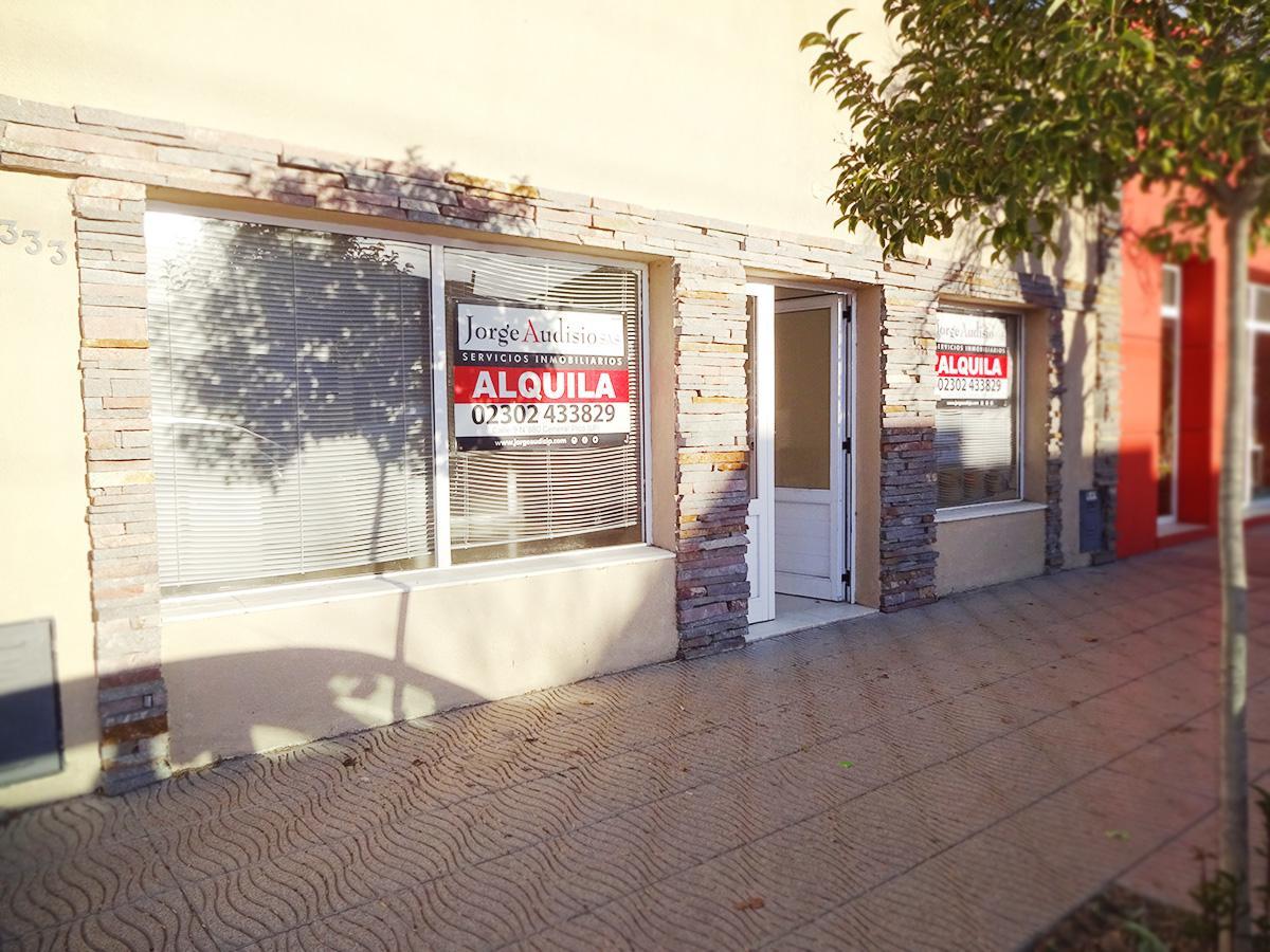 Foto Local en Alquiler en  General Pico,  Maraco  13 e/ 26 y 28