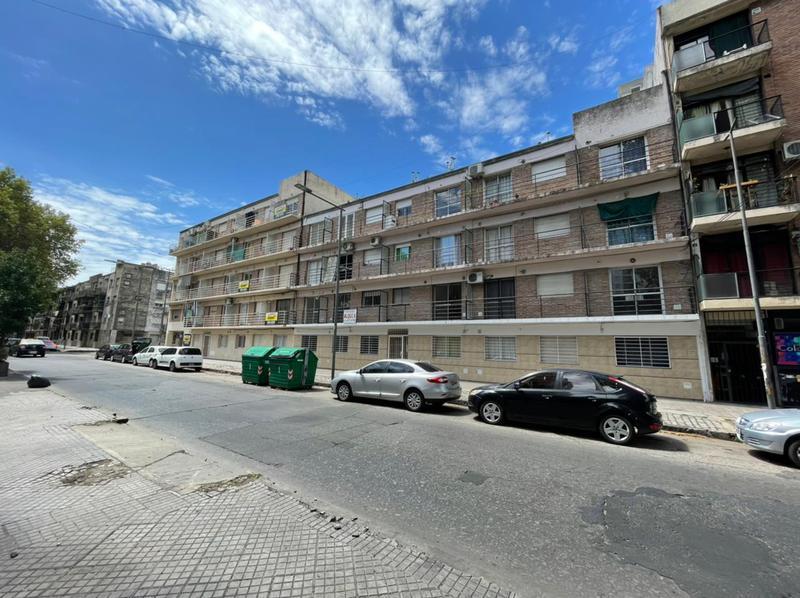 Foto Departamento en Alquiler en  Rosario,  Rosario  Vera Mujica 635  00-01