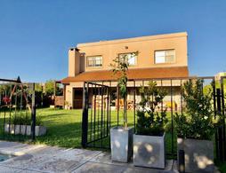 Foto Casa en Venta en  Pilar ,  G.B.A. Zona Norte  Barrio San Eduardo, Pilar del Este