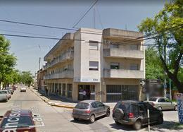 Foto Departamento en Alquiler en  Monte Grande,  Esteban Echeverria  Laprida al 200