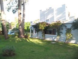 Foto Casa en Venta en  Rincón del Indio,  Punta del Este  Hermosa Casa en Punta del Este a Solo 2 Cuadras del Mar