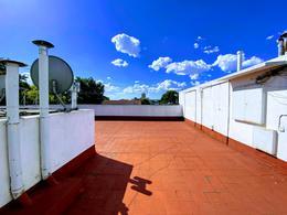 Foto Casa en Venta en  V.Sarmiento,  Haedo  Toscano al 600