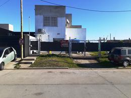Foto Casa en Venta en  Ezeiza ,  G.B.A. Zona Sur  Granaderos al 1300