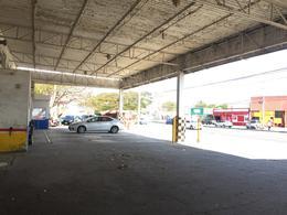 Foto Local en Renta en  Fraccionamiento Yucalpeten,  Mérida  Local de 979 m2 en Av. Jacinto Canek