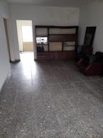 Foto Casa en Venta en  Lomas de Zamora Oeste,  Lomas De Zamora  Alvear al al 600