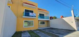 Foto Casa en Venta en  Chetumal ,  Quintana Roo  Espaciosa casa en Camelias 196-D  en Chetumal