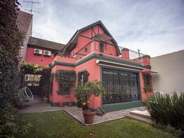 Foto Casa en Venta en  Adrogue,  Almirante Brown  ferrari al 300