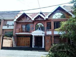 Foto Casa en Alquiler en  Acassuso,  San Isidro  ESPORA al al 900