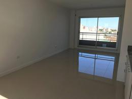 Foto Departamento en Venta en  San Cristobal ,  Capital Federal  La Rioja 1446 1ºF
