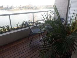 Foto Departamento en Venta en  Acqua,  Islas del Golf  Aqua Golf 1 increible vista a la laguna  con jardin propio.