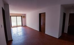 Foto Departamento en Venta en  Centro,  Cordoba  Velez Sarsfield 54