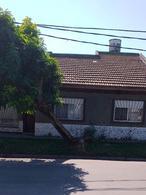 Foto Casa en Venta en  Banfield,  Lomas De Zamora  Formosa al 700