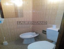 Foto Casa en Venta en  Villa Gesell ,  Costa Atlantica  PASEO 126 entre Avenida 6 y Avenida 7