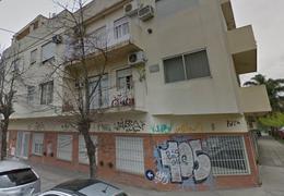 Foto Departamento en Venta | Alquiler en  Castelar Norte,  Castelar  Rodriguez Peña al 1000