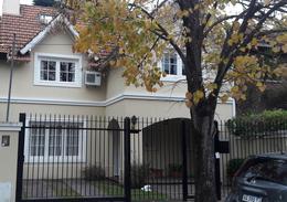 Foto Casa en Venta en  S.Isi.-Vias/Libert.,  San Isidro  Juan Jose Diaz al 1100