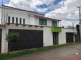 Foto Casa en Venta en  Zinacantepec ,  Edo. de México  VENTA DE RESIDENCIA  SOBRE AVENIDA EN ZINACANTEPEC