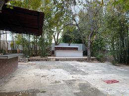 Foto Casa en Renta | Venta en  México,  Mérida  CASA SOBRE AVENIDA EN COLONIA MÉXICO!! IDEAL PARA COORPORATIVO POR SUS GRANDES ESPACIOS O RESTAURANT  DE LUJO POR SU UBICACIÓN