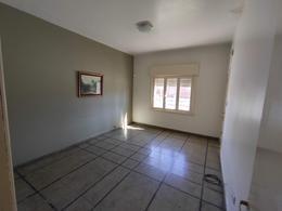 Foto Casa en Venta en  Moron Sur,  Moron  Doctor Monte al 600