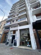 Foto Local en Alquiler en  La Plata ,  G.B.A. Zona Sur  9 Entre 49 y 50
