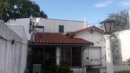 Foto Casa en Venta en  Lomas De Zamora ,  G.B.A. Zona Sur  PASO 1060