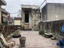 Foto Casa en Venta en  Abasto,  Rosario  San Martin al 1900 250m2. A Reciclar