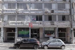 Foto Cochera en Alquiler en  Rosario,  Rosario  Alem 1256