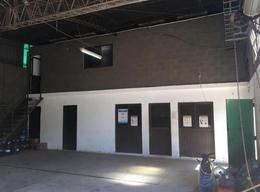 Foto Galpón en Venta en  Tolosa,  La Plata  519 entre 8y 9