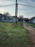 Foto Terreno en Venta en  Lezica ,  Montevideo  Oportunidad - Urgente - 5.000 m2 con construcciones