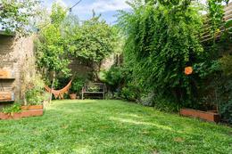Foto Casa en Venta en  San Isidro ,  G.B.A. Zona Norte  Encantadora y luminosa casa en La Calabria de 4 dormitorios jardín y pileta| Jacinto Díaz al 700