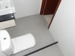 Foto Local en Venta | Alquiler en  Península,  Punta del Este  Gran Apartamento con Excelente Ubicación en Pleno Corazón de Península a Solo Metros de la Rambla