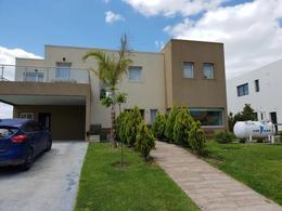 Foto Casa en Venta en  Vistas,  Puertos del Lago  Puertos - Vistas